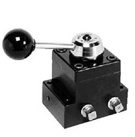 Product Image - 4 Way / 3 Position (Closed Center) Manual Valve